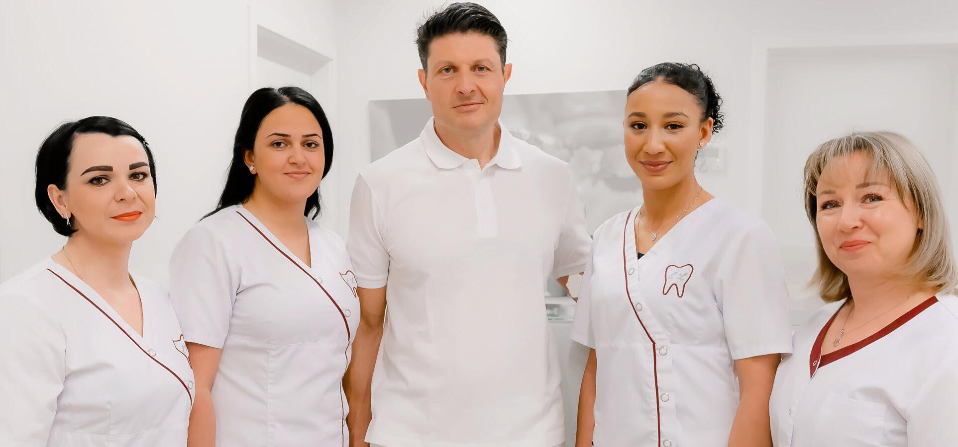Zahnarzt Dr. Liebensohn mit Team